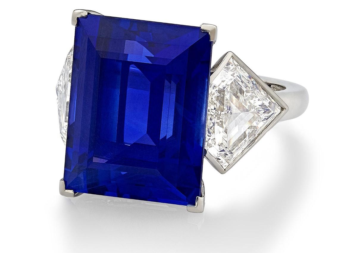 15.86 Carat Ceylon Sapphire Ring
